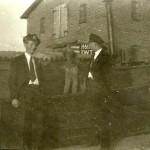 Im Hintergrund das Saatgutveredelungsgebäude.